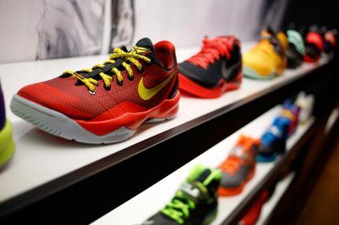 Does Foot Locker Have Too Many Nikes?