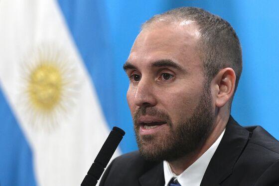 BlackRock-Argentina Feud Gets Heated and Sets Back Debt Talks
