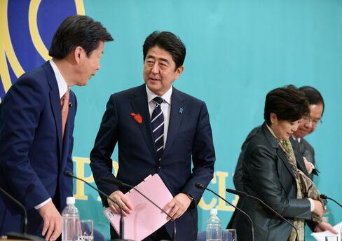 党首討論に臨む安倍首相と山口公明党代表、小池希望の党代表ら