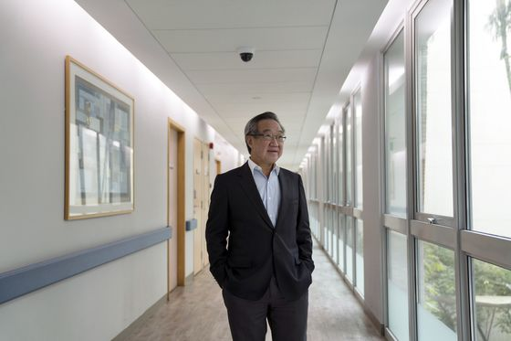 Singapore Doctor Becomes Billionaire on Covid Vaccination Drive
