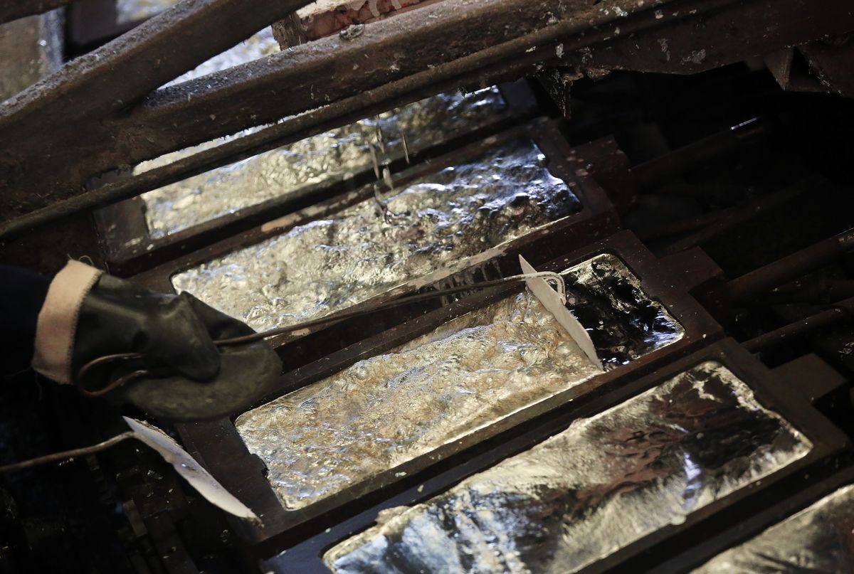 Japan's Top Smelter Says Rising Supply to Push Down Zinc Prices