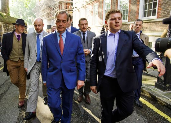 For Farage and Brexit Pollster, a World of Gamblers and Gambling