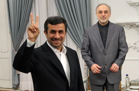 Iran Won't Yield to Pressure on Nuclear Plans, Minister Says