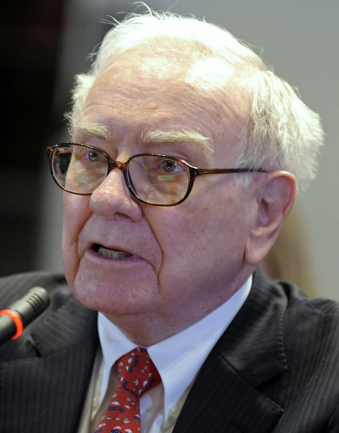 Buffett Expects 'Terrible Problem' for Municipal Debt