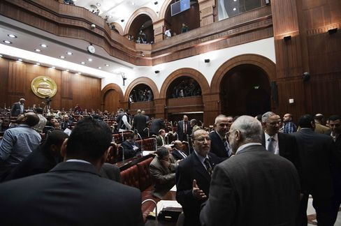 Egypt Committee Approves Draft Constitution as Protests Planned
