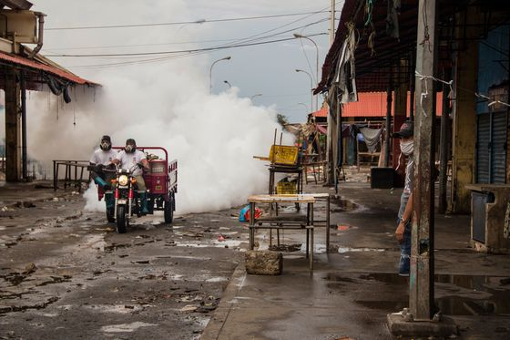 Virus Takes Root in Venezuela Oil Town Already in Collapse