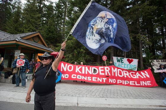 Oil Sands Pipeline Wins Bid to Hide Insurers From Activists