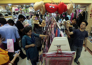 Indian Retailing Suffers in the Slowdown