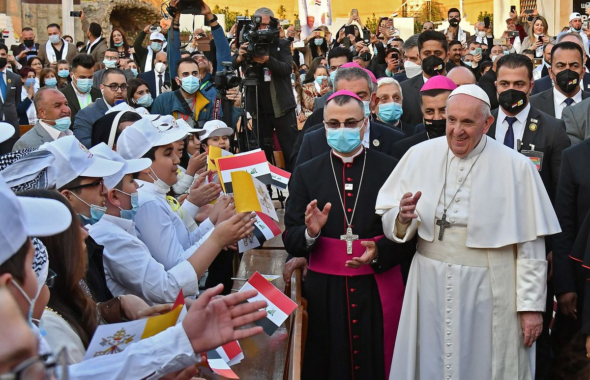 Pope Francis in Iraq: Latest Rolling Updates on Historic Visit thumbnail