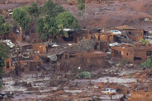 The village of Bento Rodrigues, in Mariana, after a dam burst.