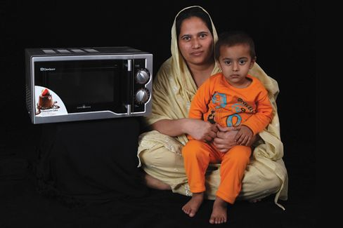 In Pakistan, Savings Circles Beat Banks