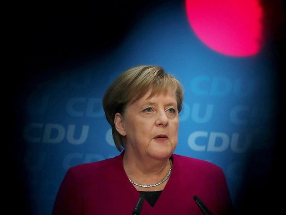 Merkel Kept Her Decision to Quit as Party Leader a Secret for Months