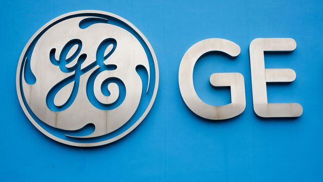 GE Credit Rating Cut by Fitch in Echo of Moody's, S&P Downgrades