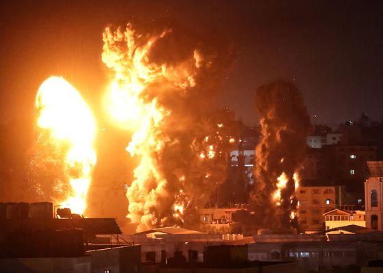 Israel Goes After Hamas Commanders as It Vows to Press On