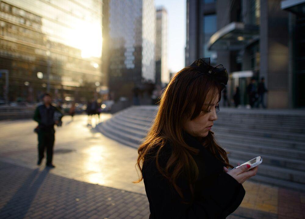 中国:ネット上の「低俗」情報、...