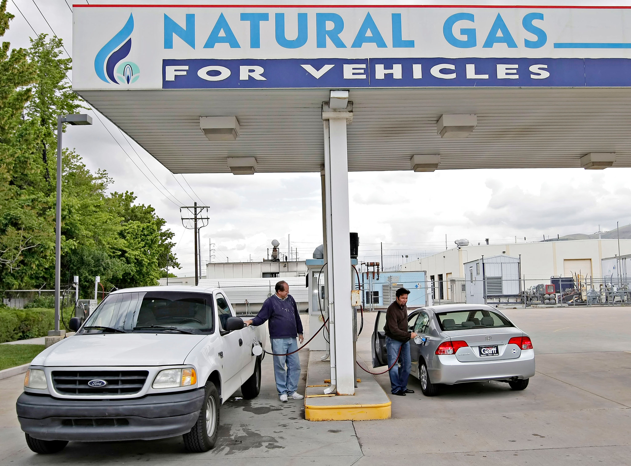 Natural Gas Stations >> Why A Natural Gas Tanker Is Looking For Your Car Bloomberg