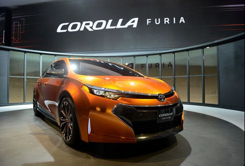 Toyota Spices Up Middle-Aged Corolla to Keep Industry Lead