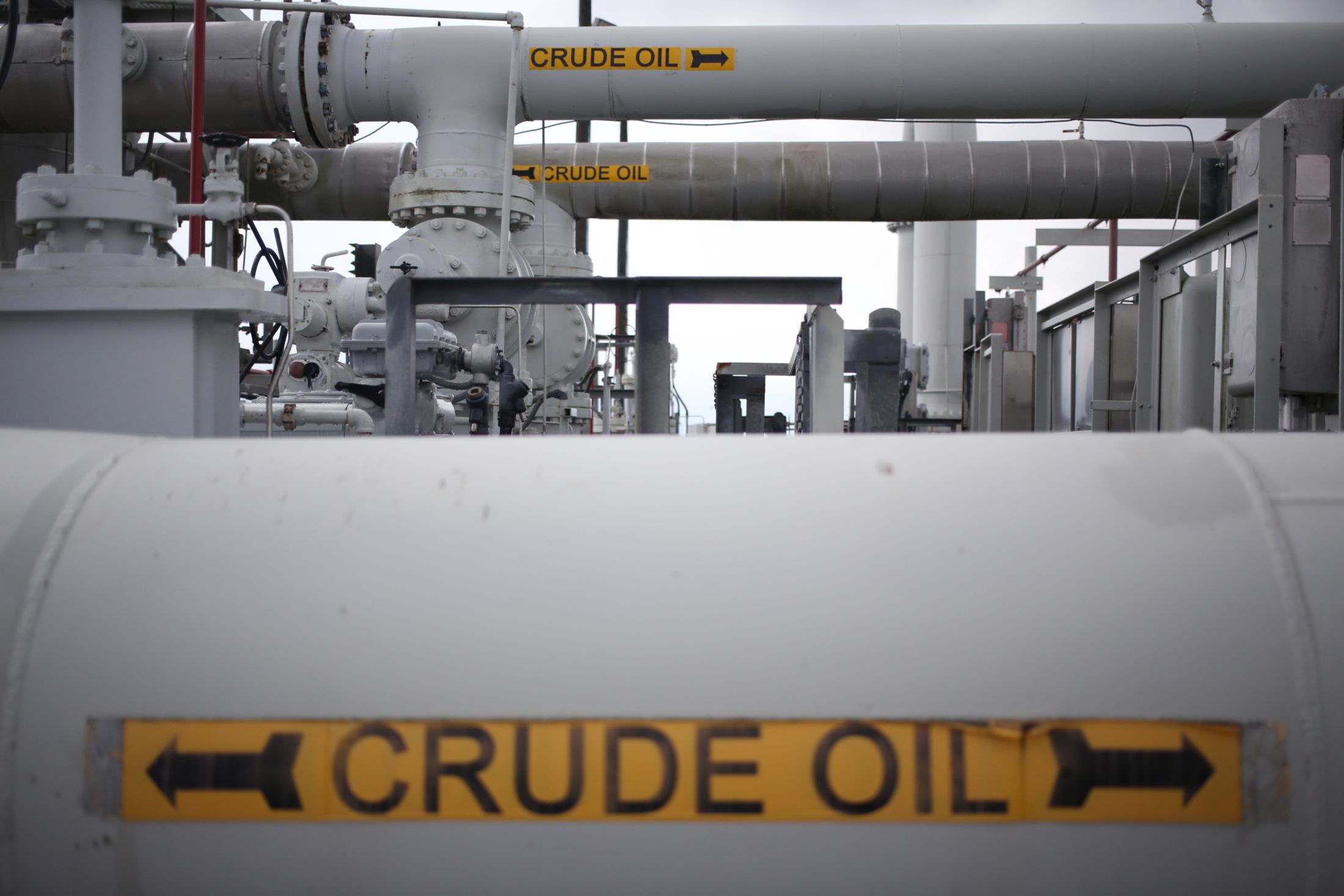 Trump Considers Tapping US Oil Reserve as Prices at the Pump Rise thumbnail
