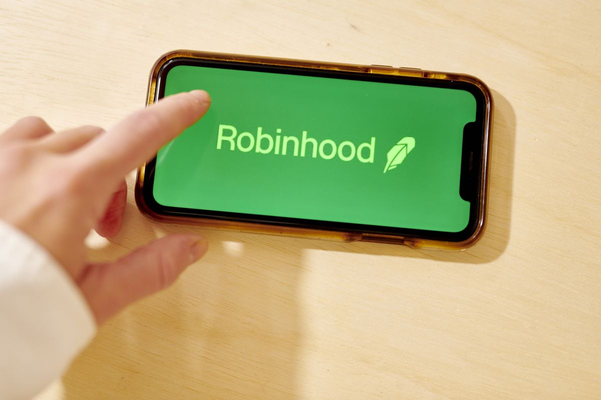 Robinhood Is Accused of 'Gamification' by Massachusetts