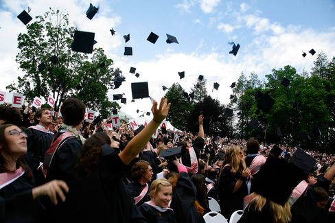 Debt-Burdened Students Lured to Rural Towns by Loan Relief