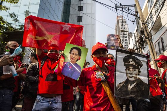 Myanmar Army Rallies Supporters, Bans Flights Through April