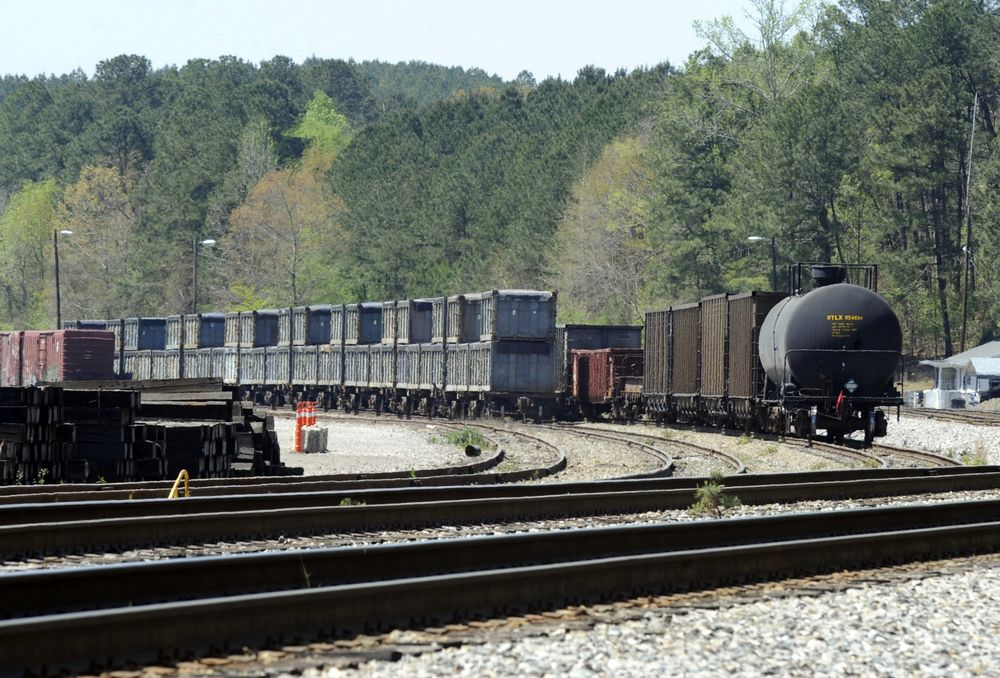 A Train Full of Poop From New York Is Stranded in a Tiny Alabama