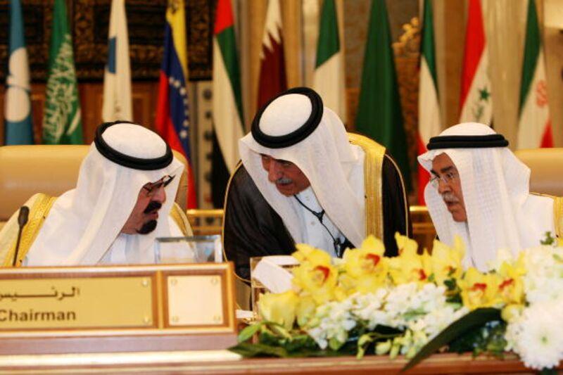 """Ο πόλεμος λέξεων που απειλεί να κάνει τη συνεδρίαση του OPEC """"άνω κάτω"""""""