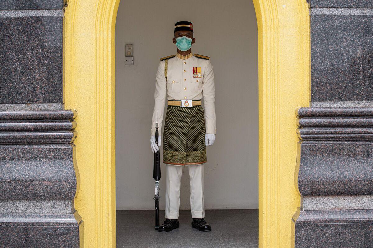Malaysia Announces Stimulus Package to Blunt Coronavirus Hit