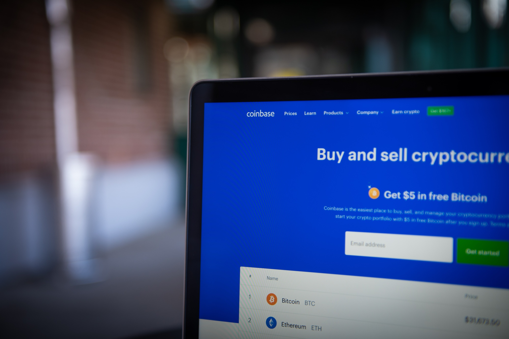 Coinbase Sued Over XRP Commissions After SEC Pursues Ripple