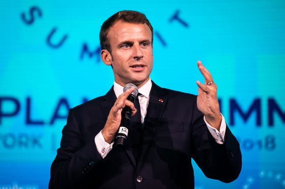 Macron Says He'd Welcome U.K. Back to EU If Voters Change Their Minds