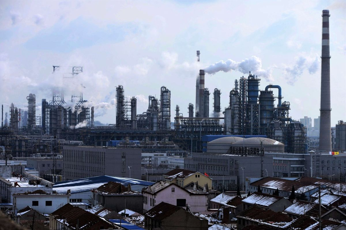Xi's Carbon Goals Get Cold Reception From Polluting Refiners