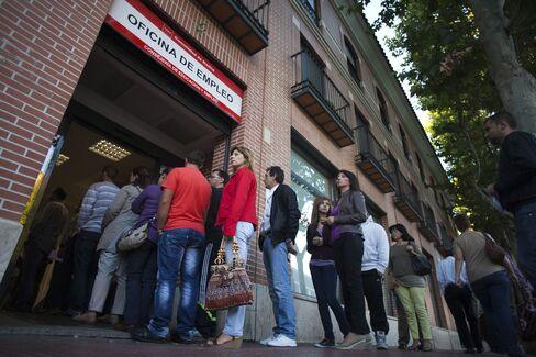 Spain's Bonds Extend Worst Week Since August as Bunds Advance