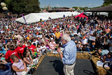 Senator Bernie Sanders, an independent from Vermont and 2016 Democratic presidential candidate, speaks at the Iowa State Fair Soapbox in Des Moines, Iowa, U.S., on Saturday, Aug. 15, 2015. The Iowa State Fair is expected to host 18 presidential candidates and runs until Aug. 23. Photographer: Daniel Acker/Bloomberg
