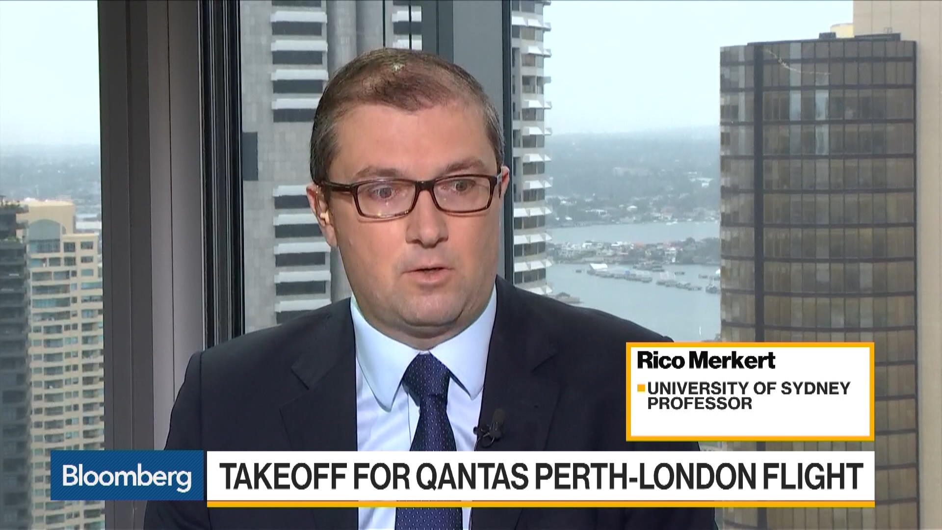 Qantas Sets Aviation Milestone as Perth Flight Lands in London