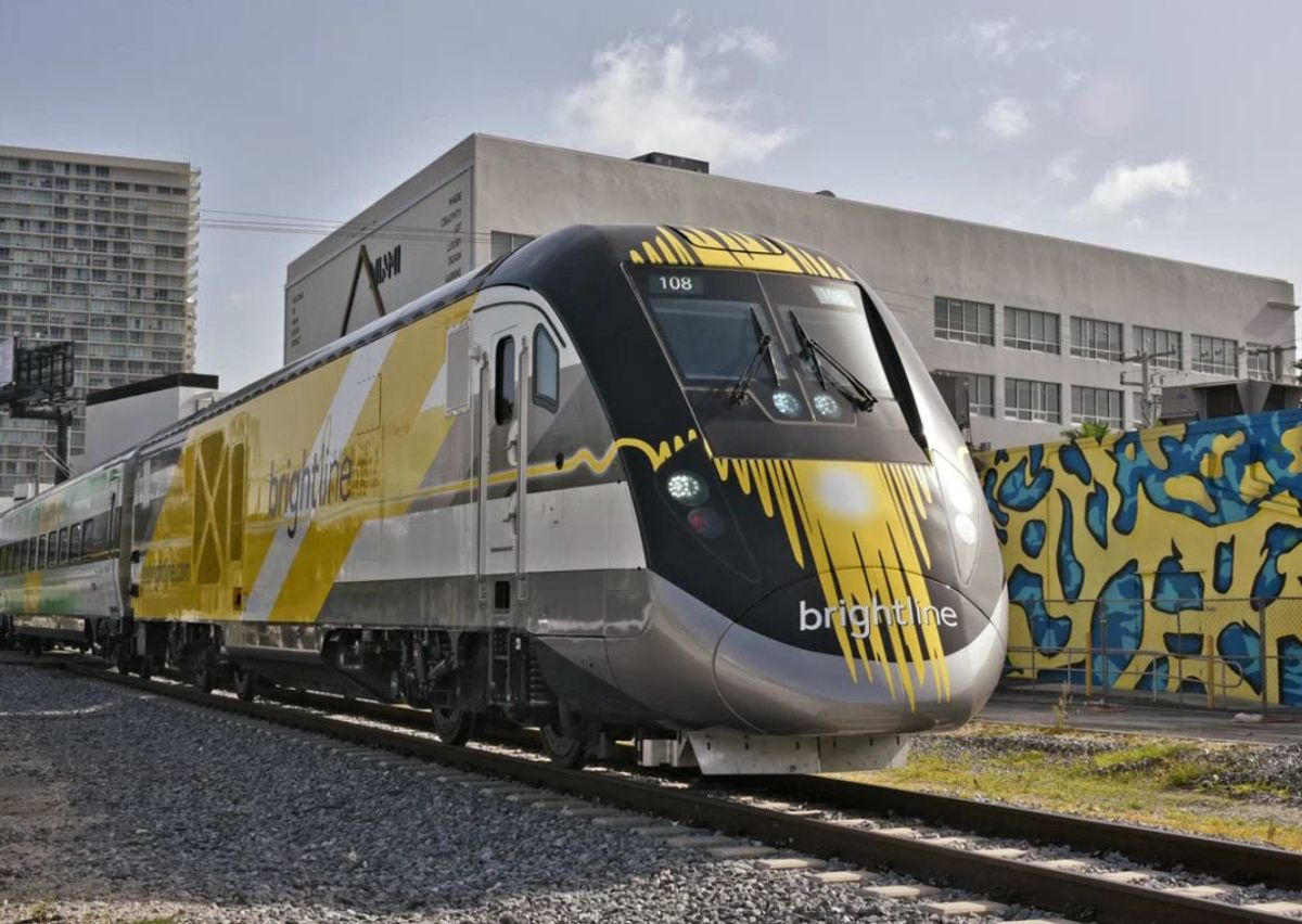 One-of-a-Kind Private Train Takes On Florida's Traffic ...