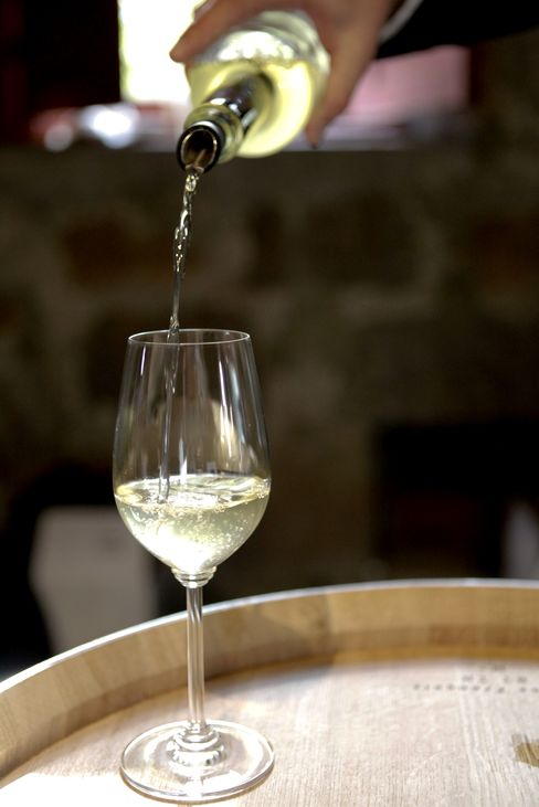 U.S. Passes France as Worlds Biggest Wine-Consuming Nation