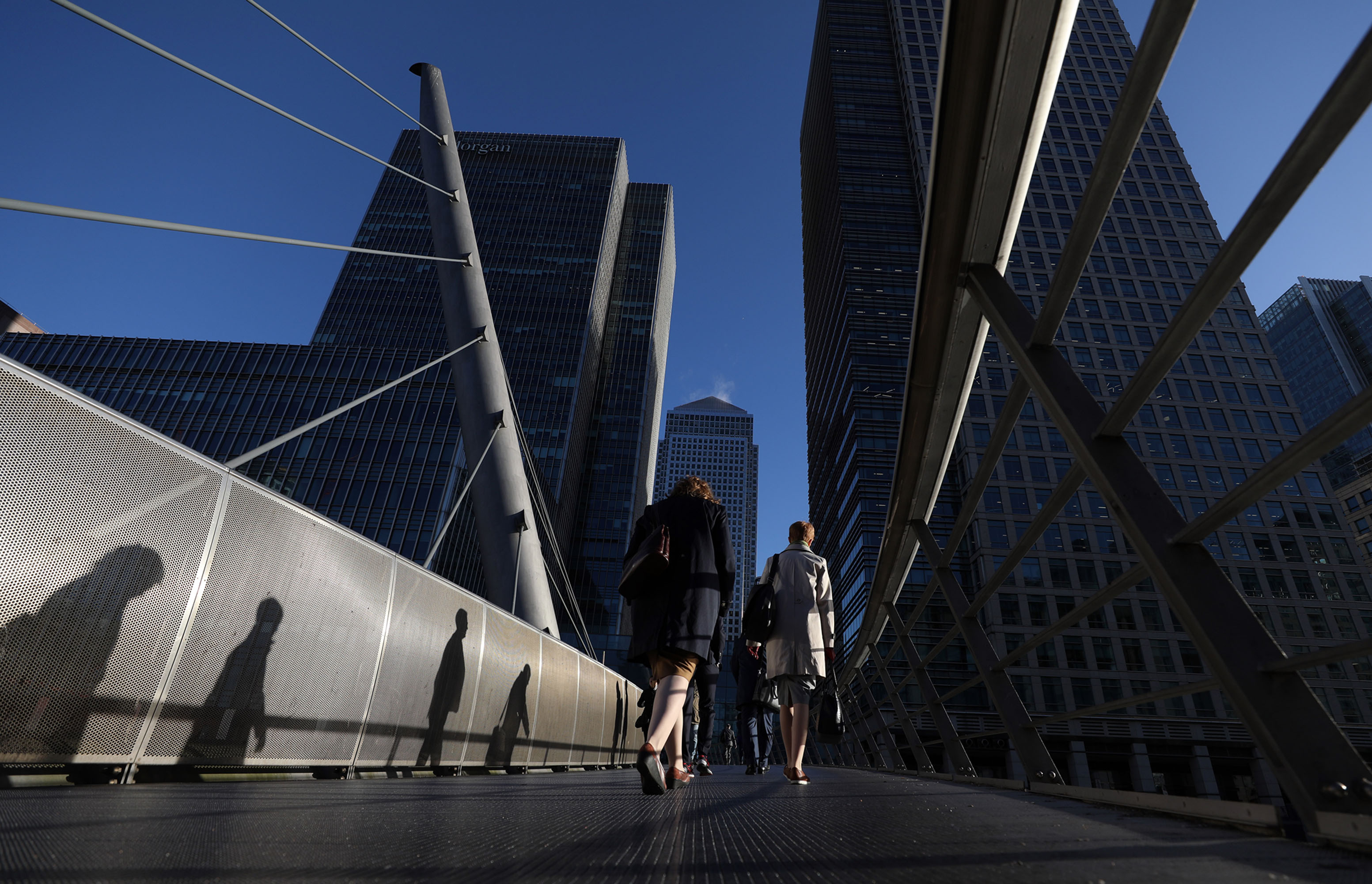 bloomberg.com - Harry Wilson - JPMorgan Said to Push 300 Employees to Leave London After Brexit