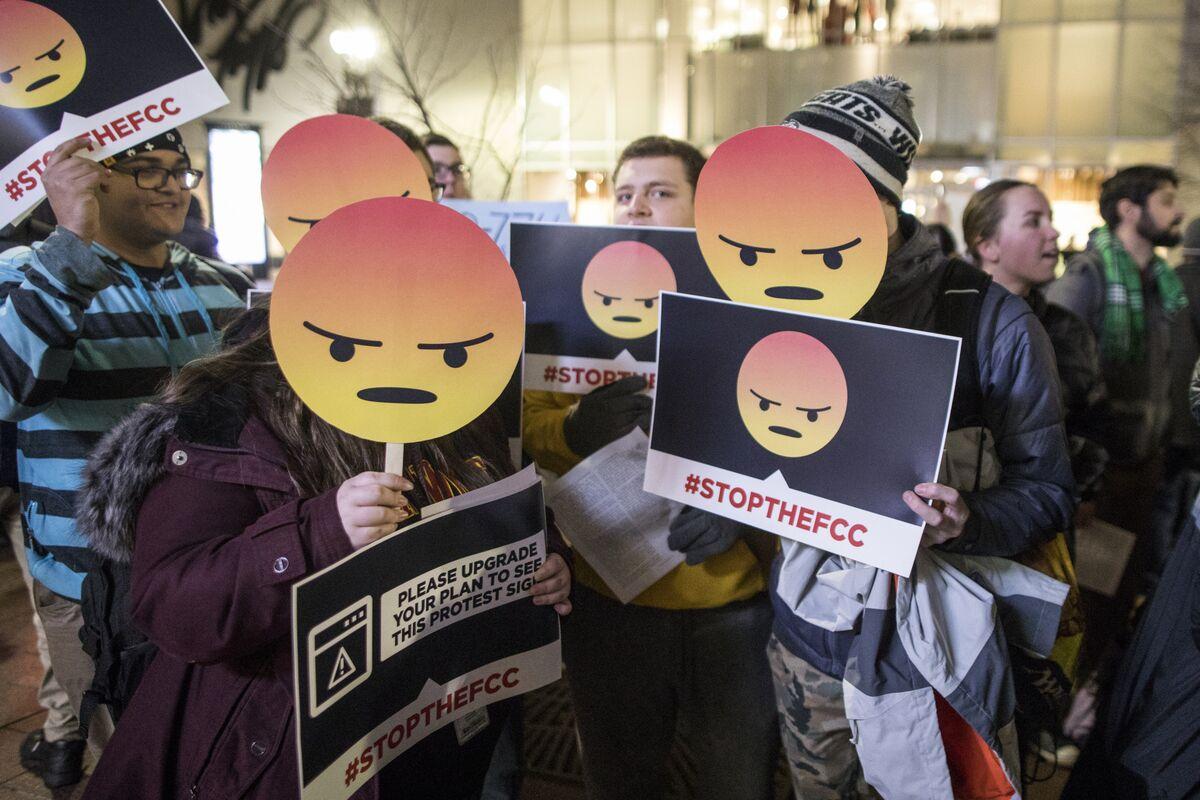 All Senate Democrats Endorse Resolution on Net Neutrality Change