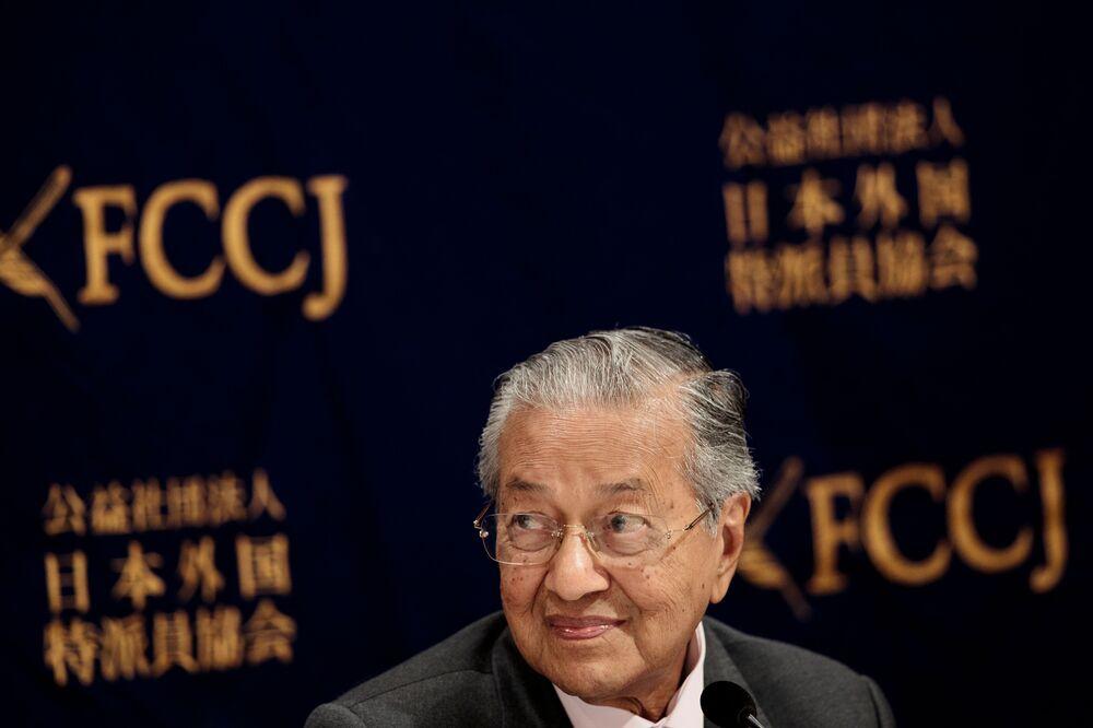 Mahathir Uses Huawei to Needle the U.S.
