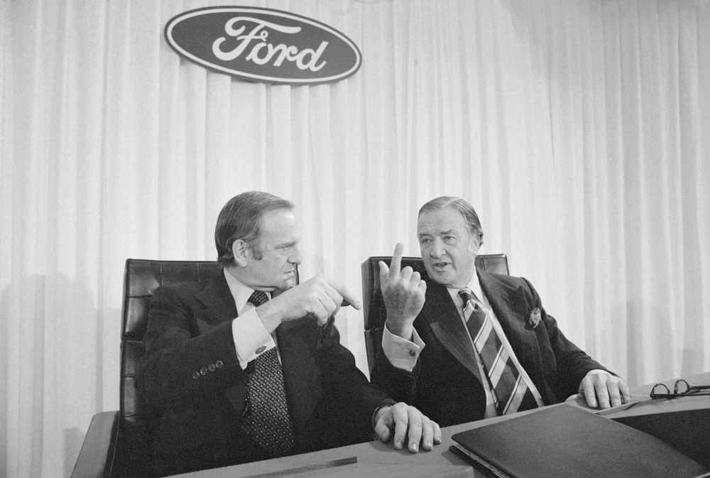 Lee Iacocca, Star CEO Who Led Ford, Saved Chrysler, Has Died - Bloomberg