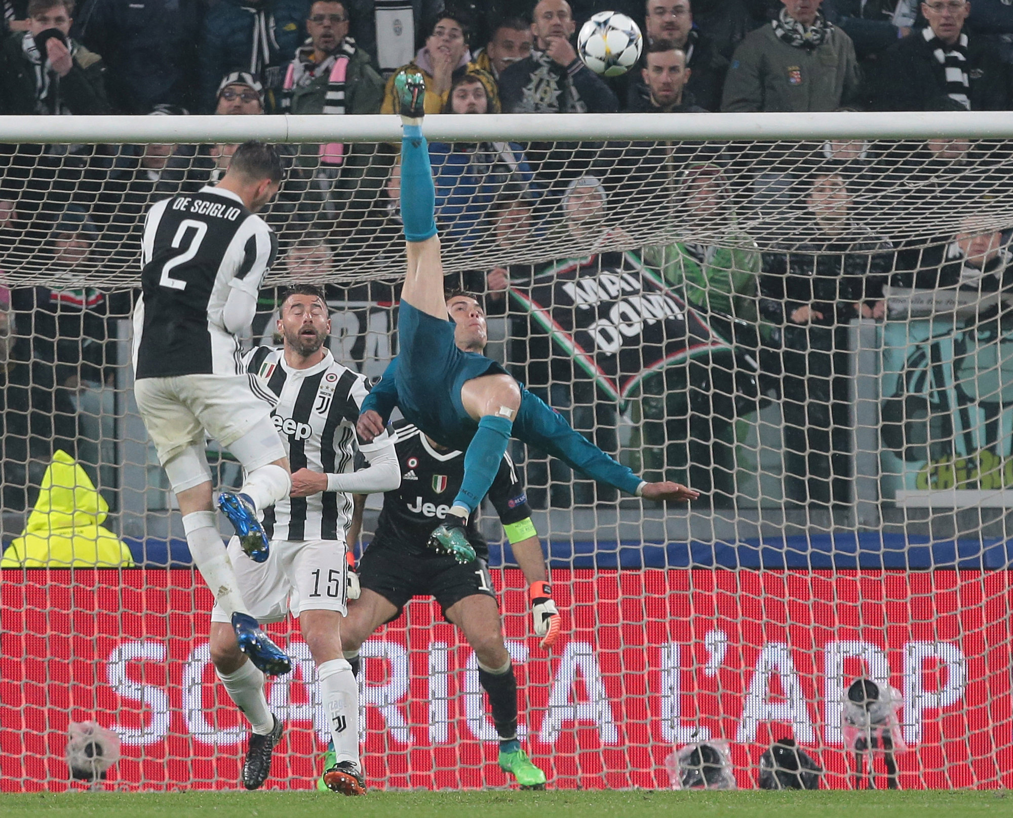 Ronaldo S Bicycle Kick Sends Juventus Stock To Eight Month Low Bloomberg