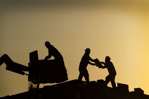 U.S. Economic Growth Forecasts Lowered at Citigroup, JPMorga