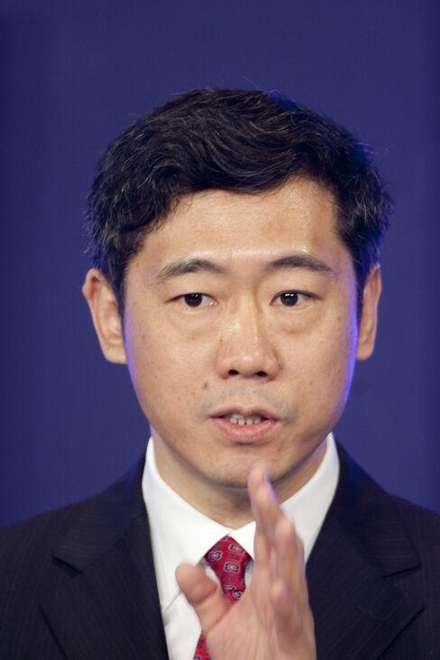 PBOC Adviser Li Urges Savings Shift to Stocks