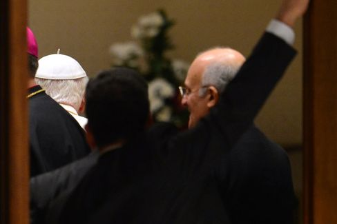 Bloomberg View: Pope Benedict XVI's Noble Departure