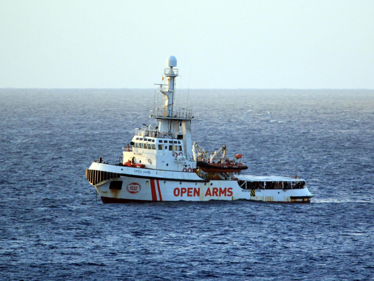 Salvini Remains Defiant on Migrant Ship, Clashes With PM