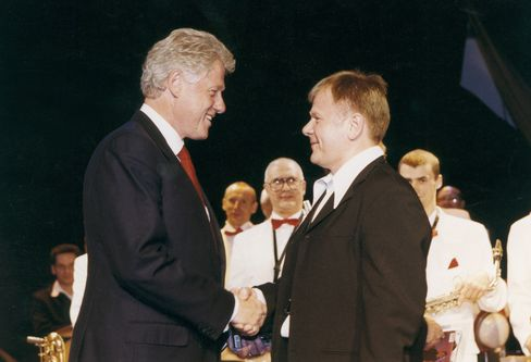 Igor Butman and Bill Clinton in Moscow in 2000.