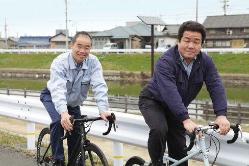 From left:Nobuo Kondo and Yutaka Kondo