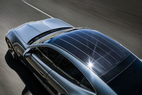The fully sun-powered roof can propel the car forward (very slowly) even if the gas is depleted.