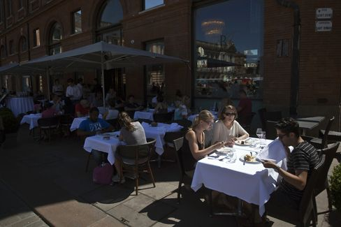Customers Eat Outside a Restaurant in Toulouse