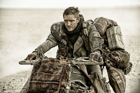 In Mad Max: Fury Road, all the motorbikes—such as this Vuvalini ride—are either dirt bikes or old touring bikes with leather seats and no small amount of scavenged add-ons.